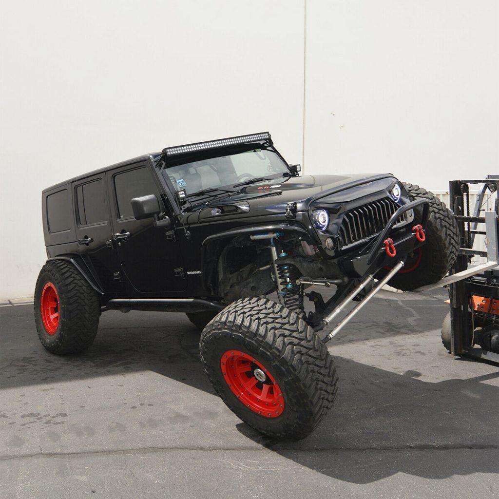 Hemi powered 2010 Jeep Wrangler Rubicon Unlimited monster