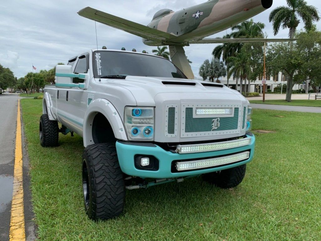 well modified 2008 Ford F 350 FX4 pickup monster