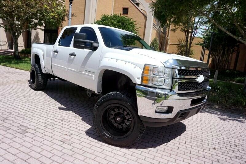 one of a kind upgraded 2012 Chevrolet Silverado 2500 LT monster