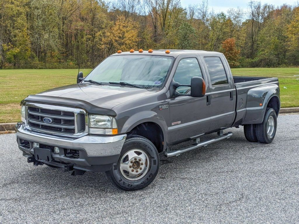 well equipped 2003 Ford F 350 Lariat monster