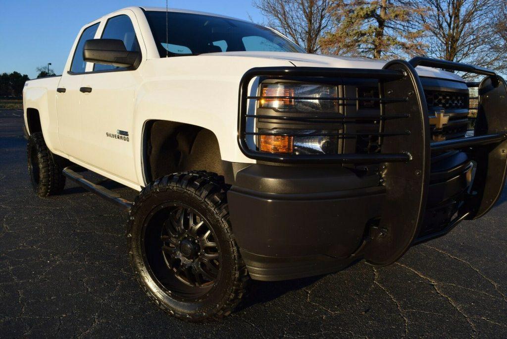very nice 2014 Chevrolet Silverado 1500 Extended monster