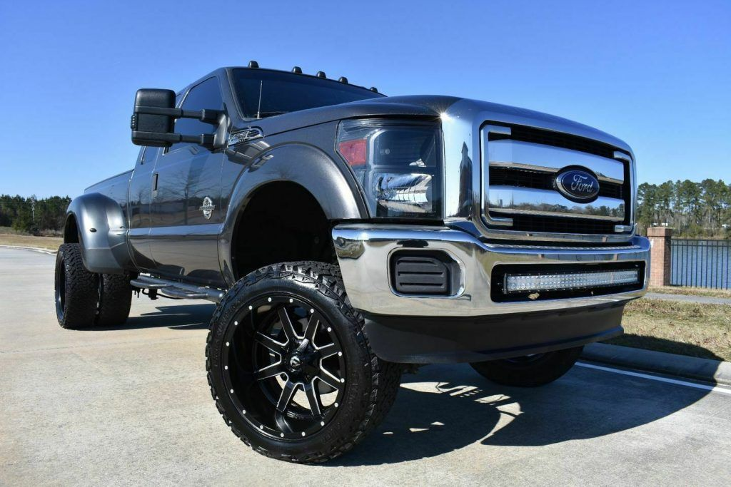 2016 Ford F 350 XLT [great shape]