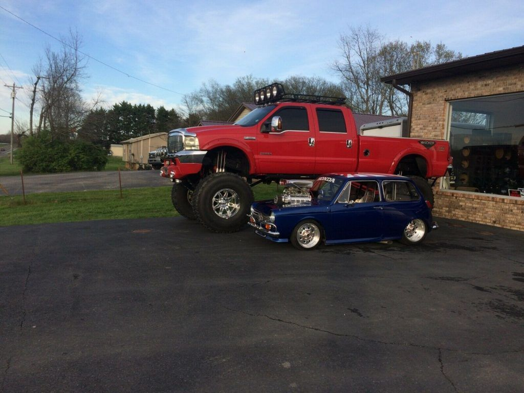 2003 Ford F-350 Monster Truck [lots of modifications]