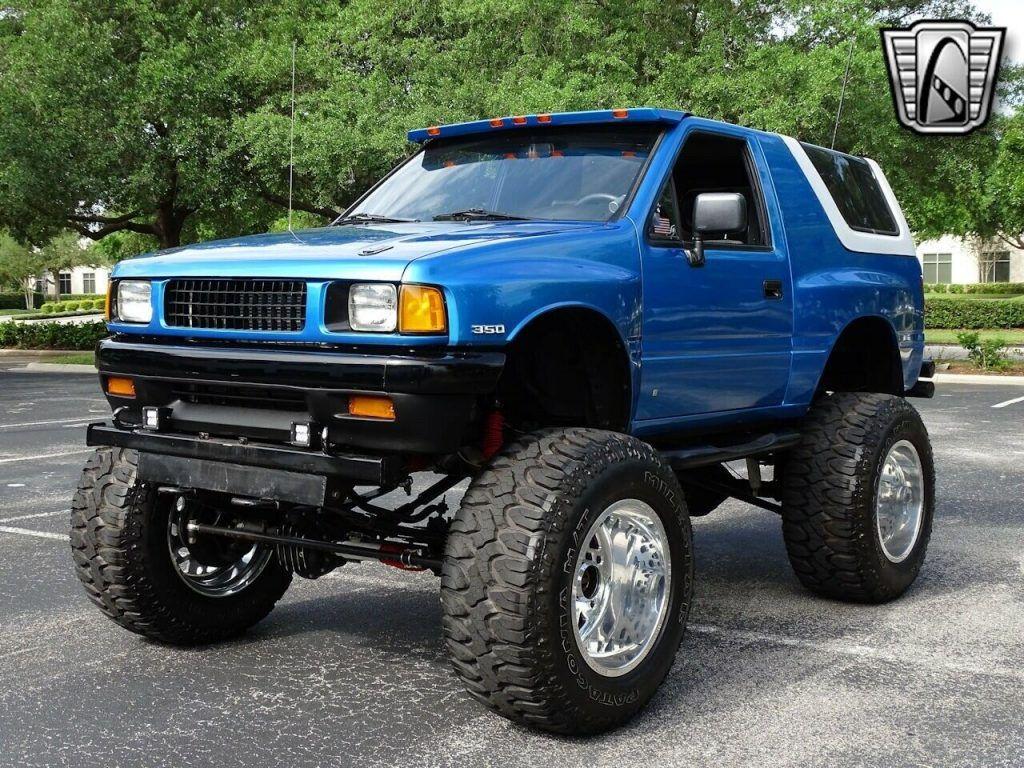 1989 Isuzu Amigo monster truck [shamelessly ridiculous]