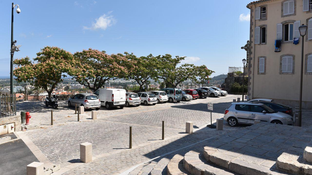 Photo du projet Renouvellement urbain du centre-ville d'Hyères-Les-Palmiers (83) - Requalification de la place St Paul et du lavoir