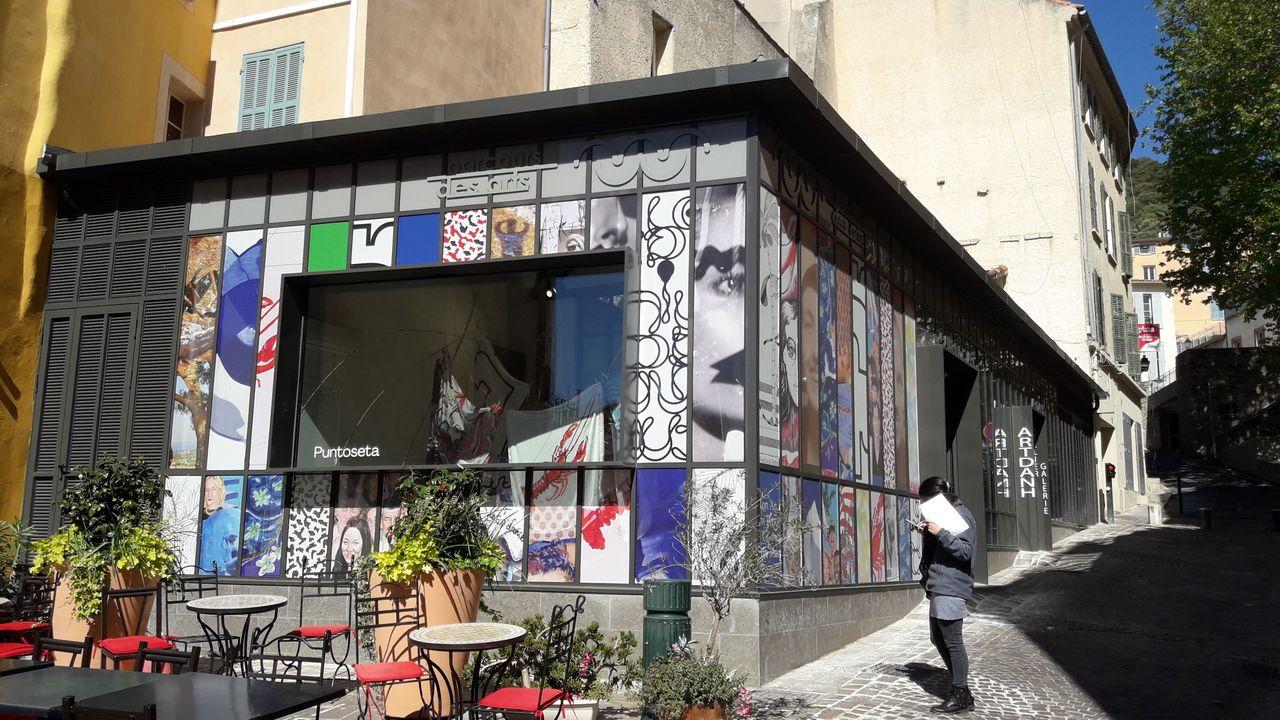 Photo du projet Renouvellement urbain du centre-ville d'Hyères-Les-Palmiers (83) - Aménagement d'un parcours des métiers d'art