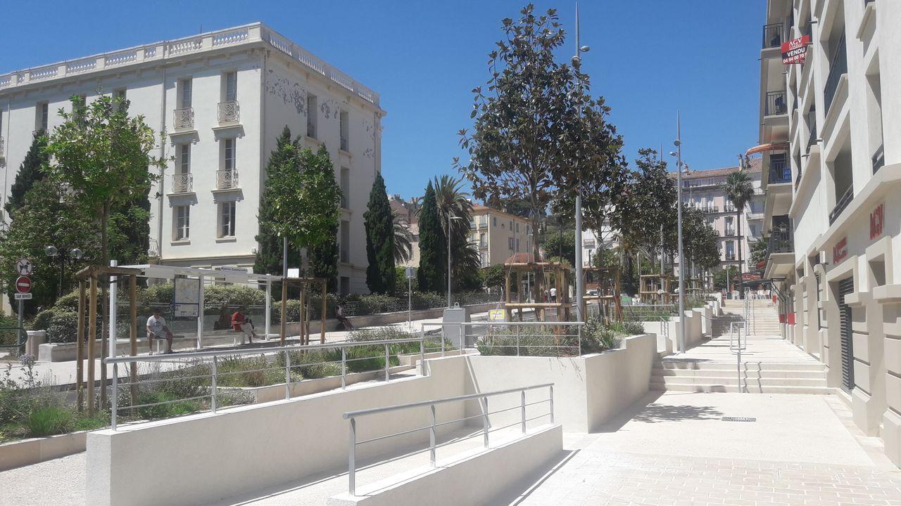 Photo du projet Renouvellement urbain du centre-ville d'Hyères-Les-Palmiers (83) - Aménagement du secteur de la place Joffre