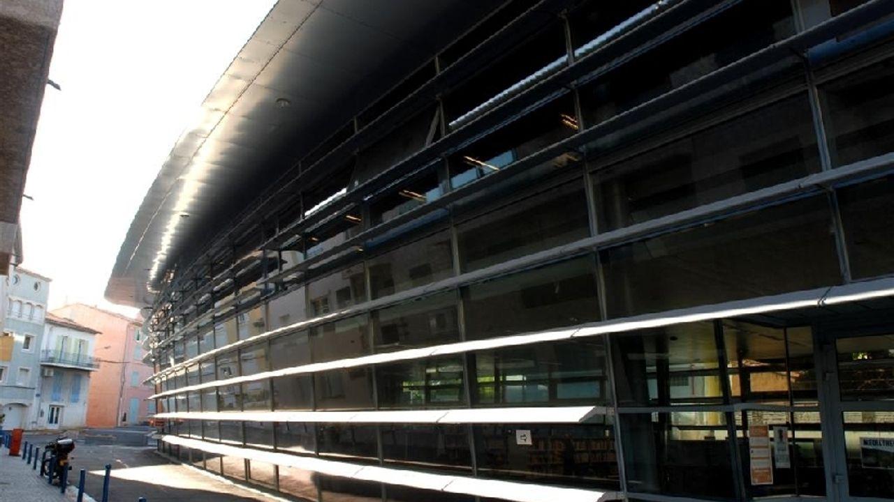 Photo du projet Extension de la médiathèque existante, construction de la mairie annexe, d'une salle de spectacles et de parkings enterrés à Bandol