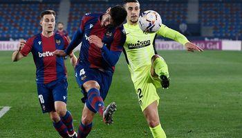 Atlético zaváhalo na půdě Levante a jeho bodový náskok se začíná krátit