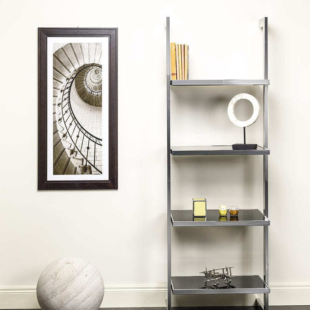 Libreria da parete in acciaio satinato con ripiani in vetro laccato nero braid company living - Parete in vetro satinato ...
