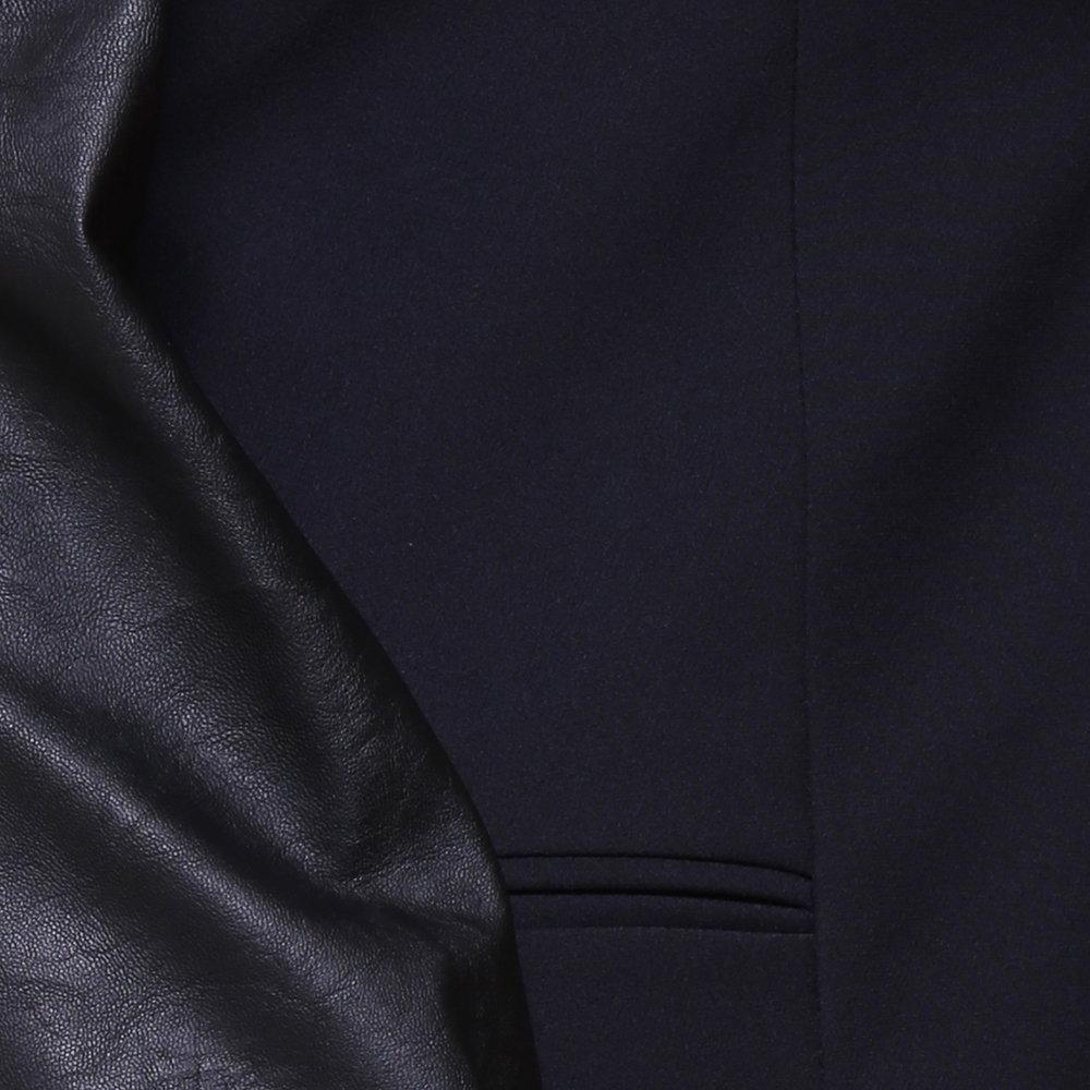 LIU-JO P E - Cappotto con maniche a contrasto nero aefb06c99f9