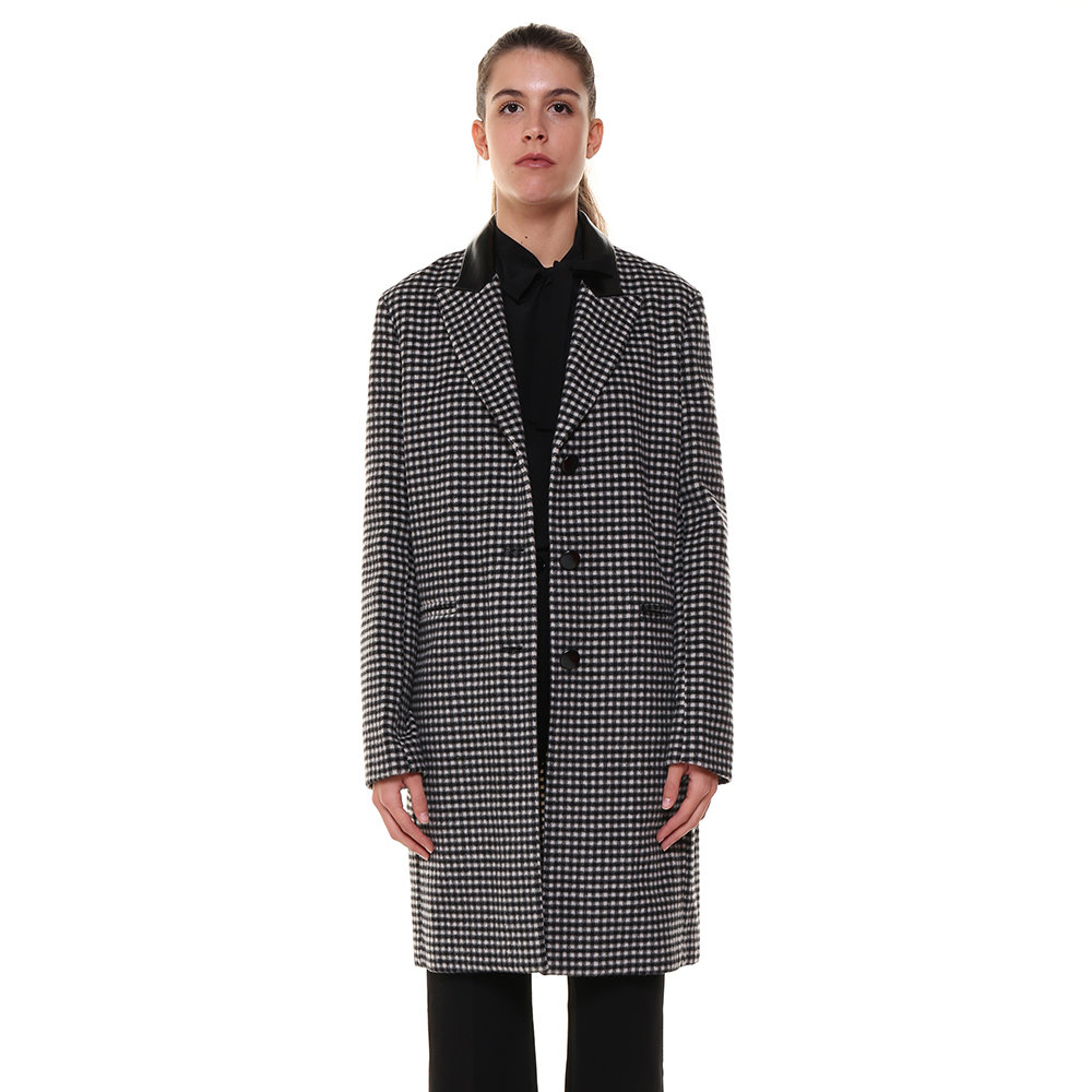 pinko cappotto nero e biaco ragazza