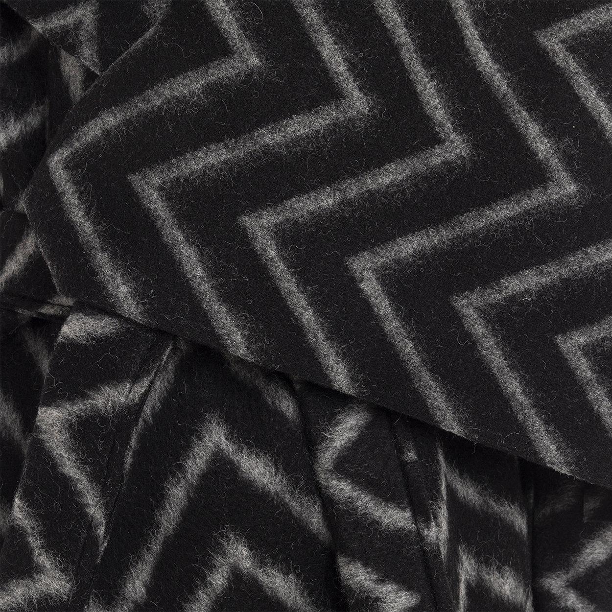 Cappotto con fantasia geometrica grigio e nero Guess by Marciano Acquista su Ventis.