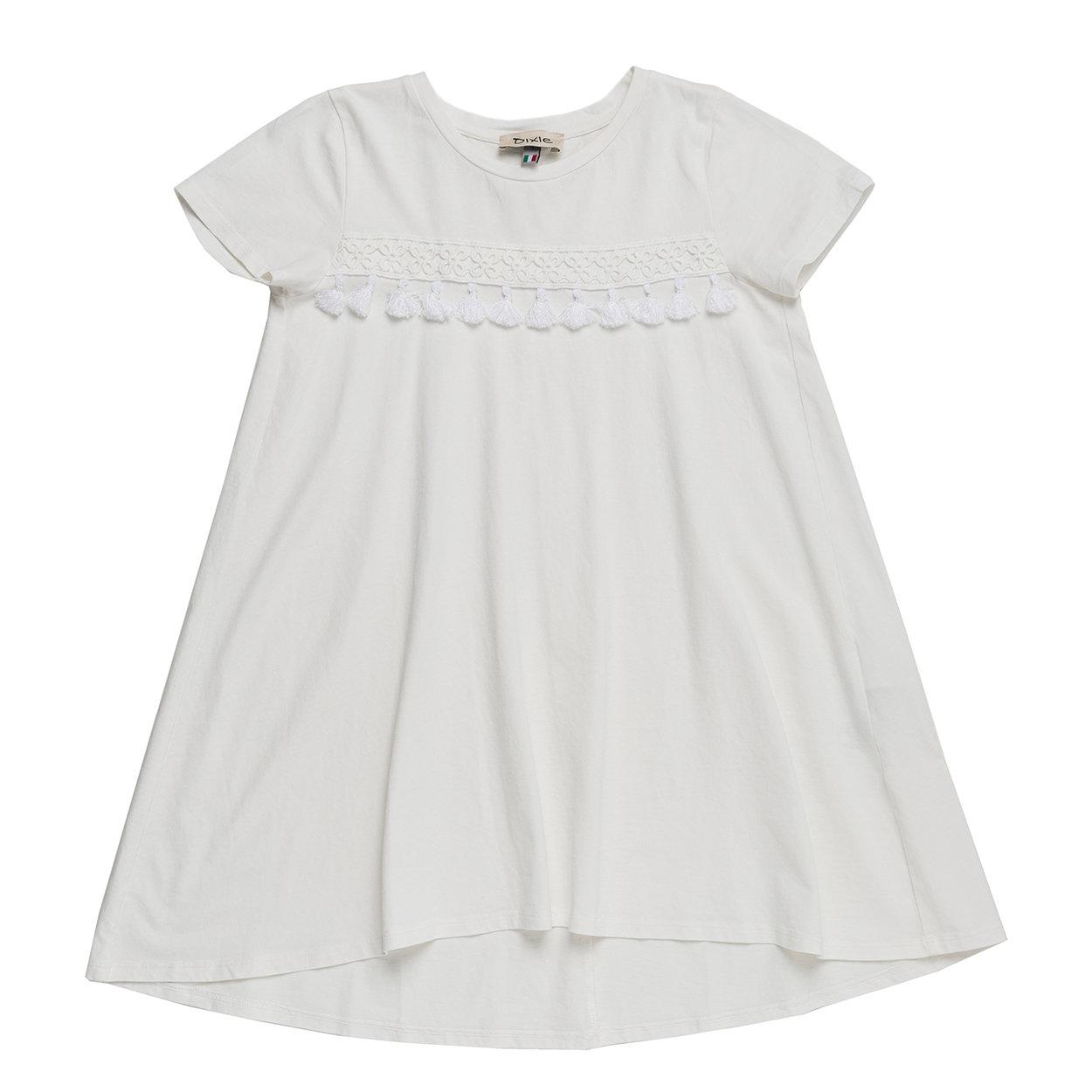 Image of Abito bianco con maniche corte, girocollo, applicazione con nappine davanti