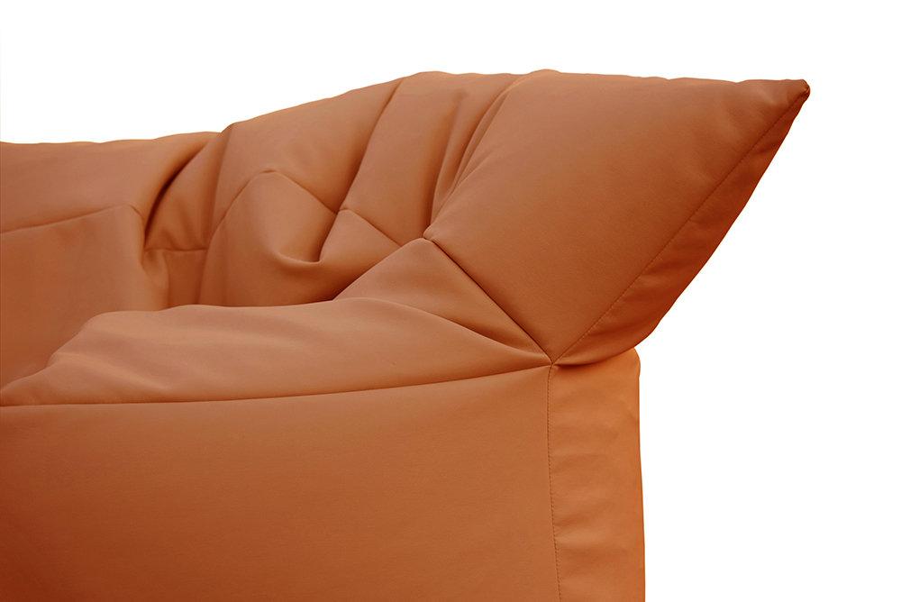 Divano Pelle Arancione : Divano formoso in pelle ecologica arancio filippo ghezzani