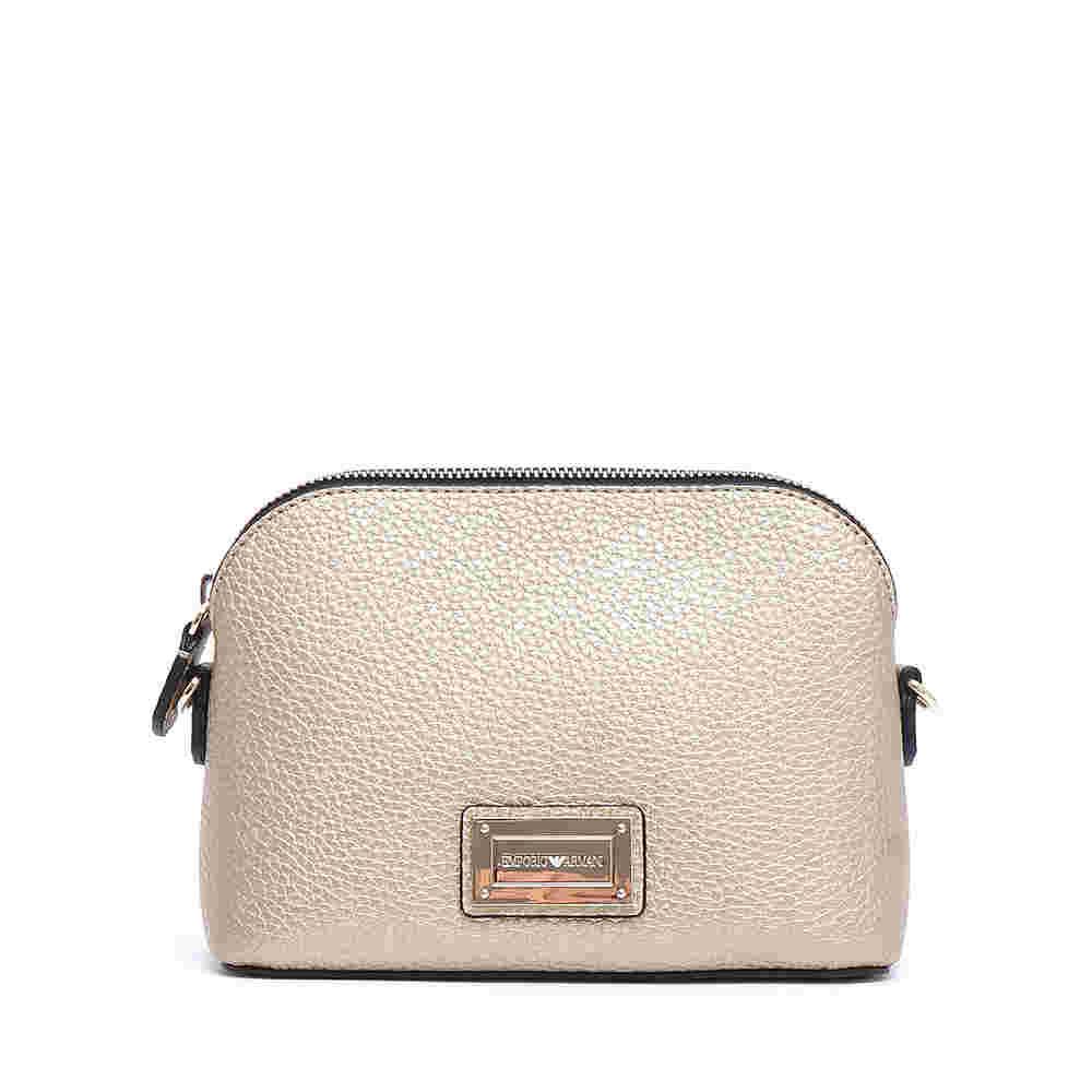 Mini bag a tracolla oro. Vendita terminata · Emporio Armani Borse a1152715da7