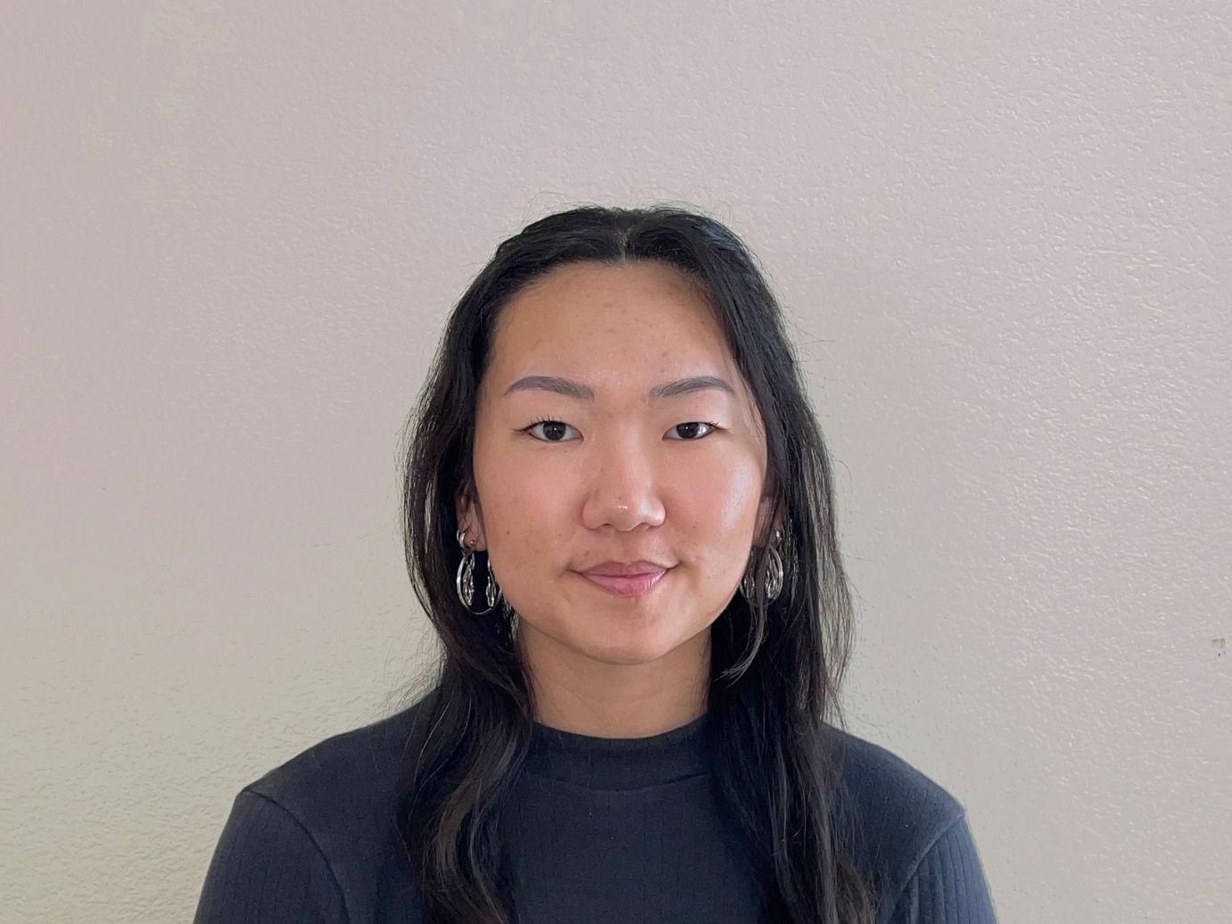 Lois Bin Portrait