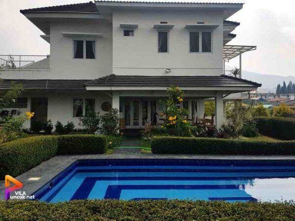 Villa 5 Kamar dekat Kebun Raya Cibodas Private Pool