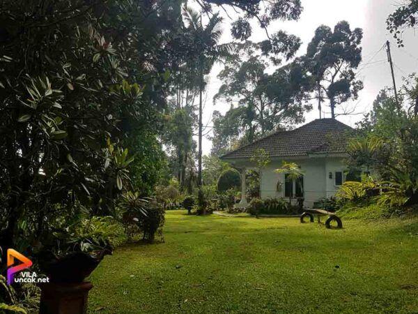 Villa Coolibah 2 Kamar Fasilitas Kolam Renang dan Billiard