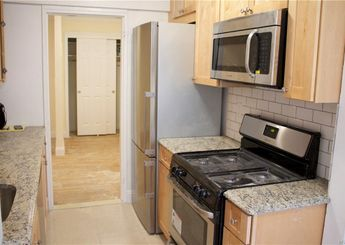 50 White Oak Street Unit: 4-C