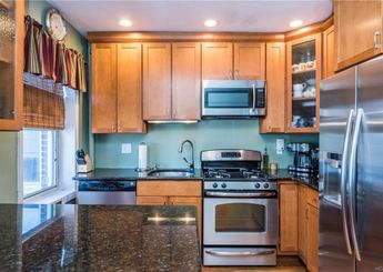5414 Arlington Avenue Unit: J61
