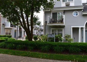 36 Greenridge Avenue Unit: 320