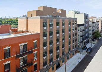 979 Summit Avenue Unit: 4H