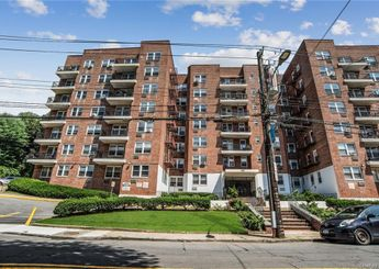 440 Warburton Avenue Unit: 3B