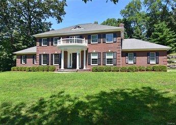 18 Manor Pond Lane