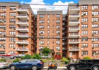 632 Warburton Avenue Unit: 4L