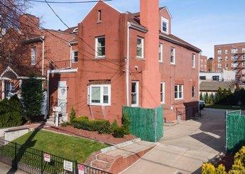 2132 Tomlinson Avenue