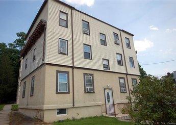 139 Dubois Avenue Unit: 5