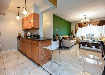1259 Grant Avenue Unit: 10C
