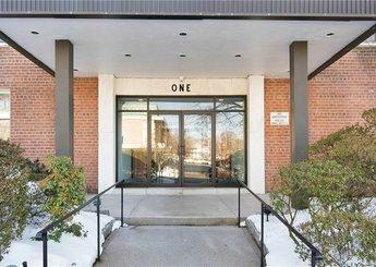1 Oakridge Place Unit: 2E