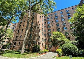 1940 E Tremont Avenue Unit: 6C