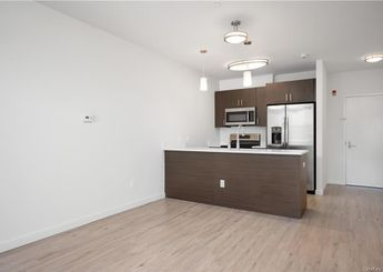 550 Halstead Avenue Unit: 304