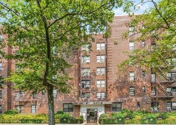 3555 Kings College Place Unit: 3L