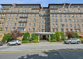 16 N Chatsworth Avenue Unit: 212