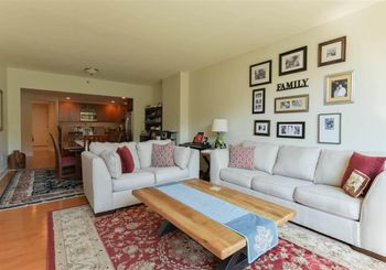 1025 MAXWELL LANE Unit: 310