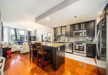 1125 MAXWELL LANE Unit: 525