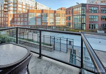 1100 Maxwell Lane Unit: 514