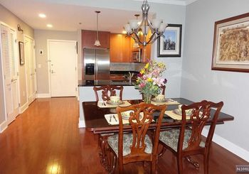1125 Maxwell Lane Unit: 534