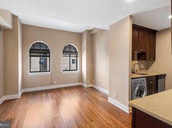 222 Rittenhouse