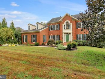 16204 Carrs Mill