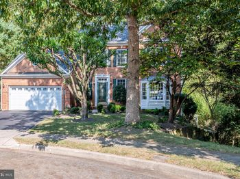 3324 Governor Henry Ct