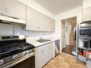 212-25 15th Ave