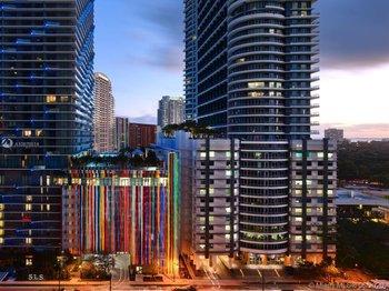 1300 Miami Ave