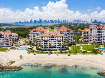7942 Fisher Island Dr