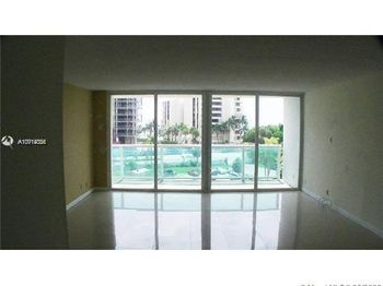 100 Bayview Dr