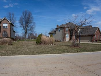 315 Crown Colony